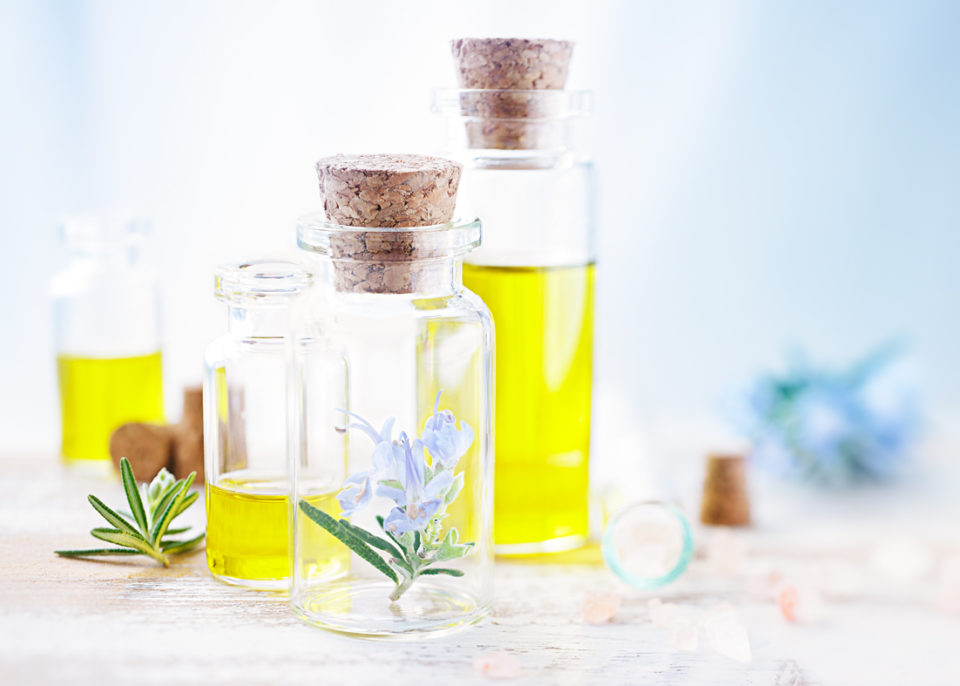 huiles essentielles de romarin